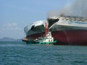 マラッカ 海峡 は インドネシア と ど この間